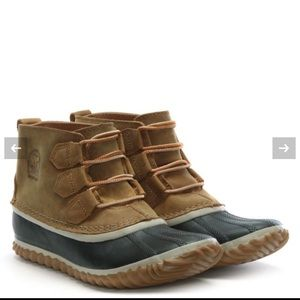 SOREL Out N Bout  Leather Duck Boots